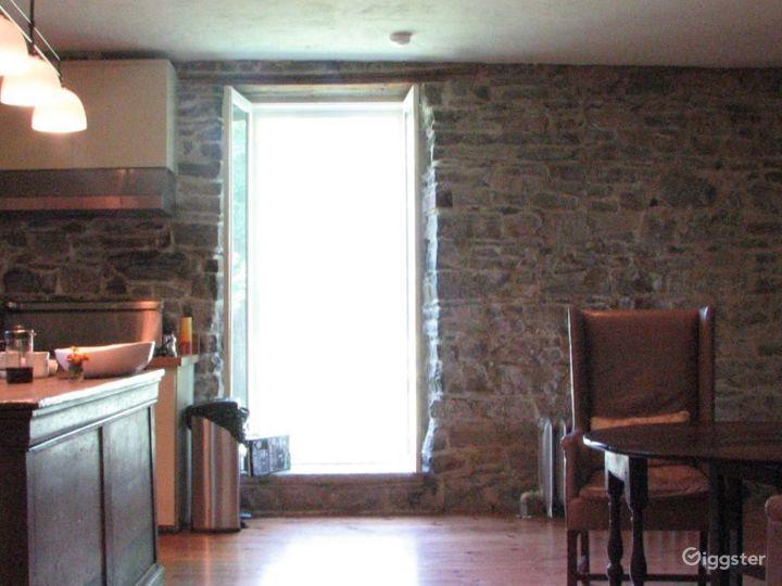 Stone farmhouse with outbuildings: Location 3086 Photo 4
