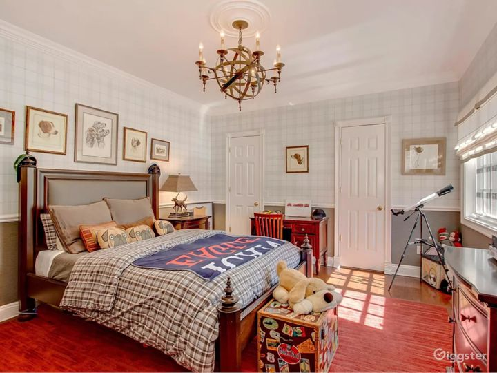 Gold Coast mansion with tennis court: Location 5284 Photo 3
