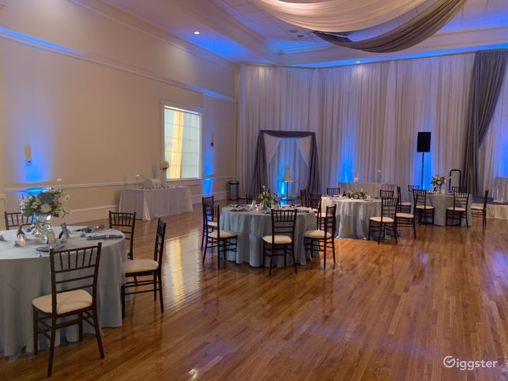 The Grand Elegant Ballroom Photo 2