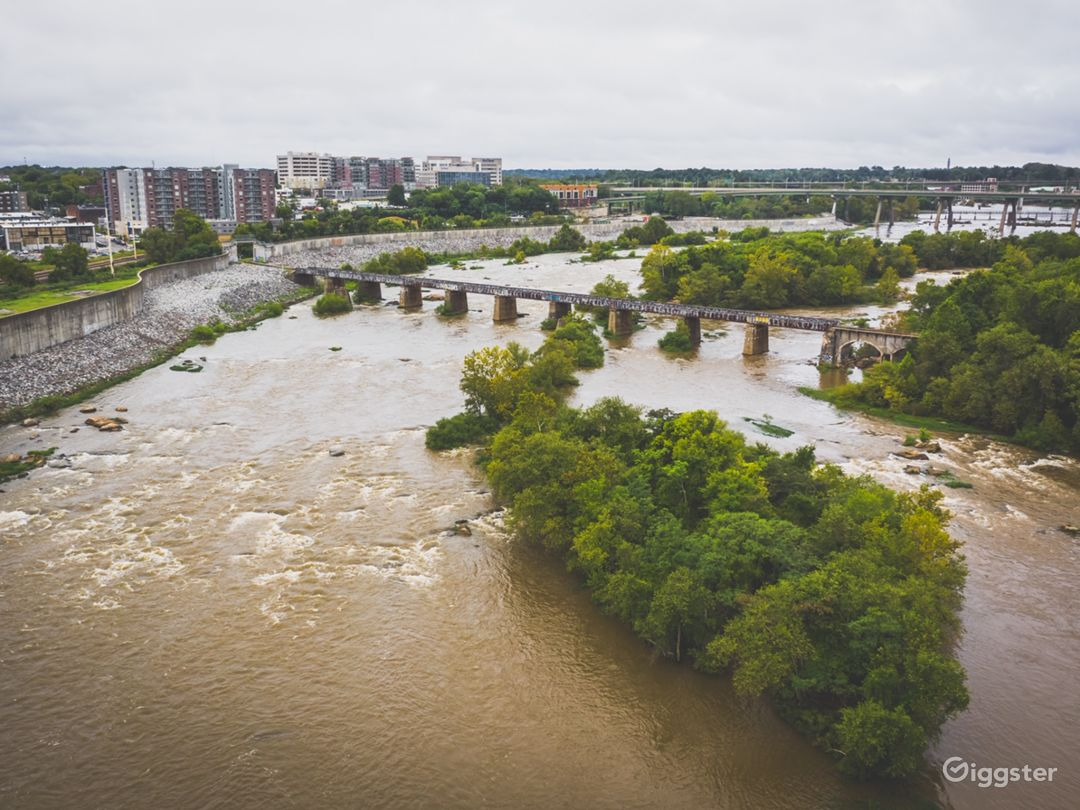 Drone shot of Sharp's Island (in the foreground). The floodwall and the Manchester neighborhoods are to the left. Downtwon is to the right.