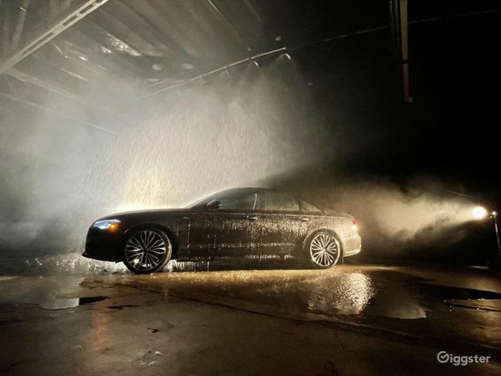Huge Rain Room with car access Photo 3