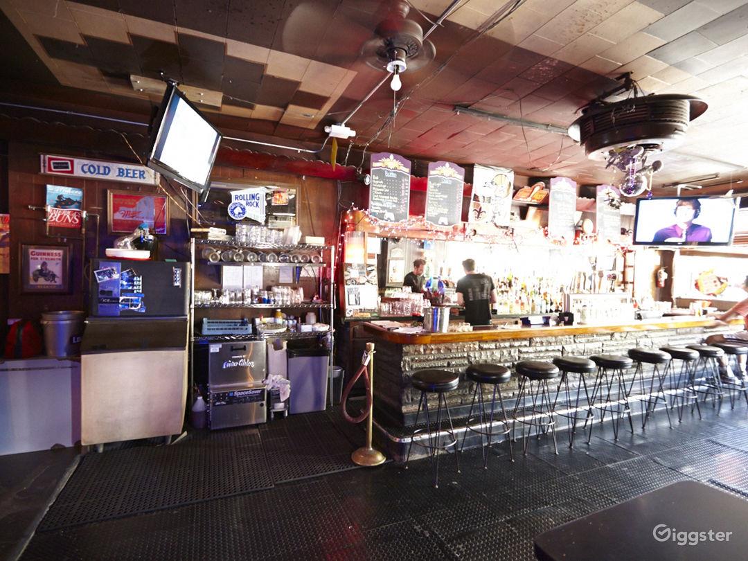 Bar/lounge: Location 5039 Photo 1