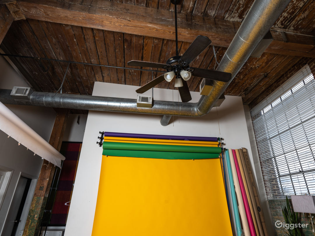 Downtown Loft Space with Lots of Natural Light Photo 2