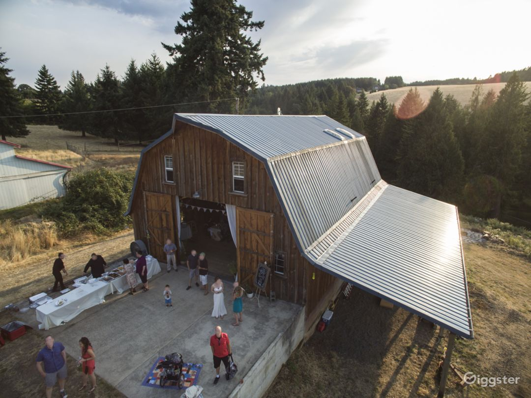 Aerial barn shot (west)