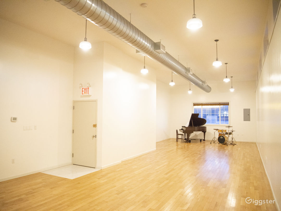 Beautiful Event Space in Greenpoint Photo 2