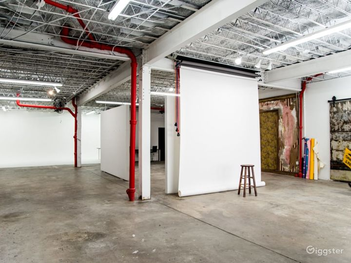 Spacious Photography Studio and Art Gallery in Orlando Photo 3