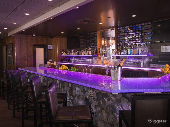Stunning Bar with Terrace in LA Photo 2