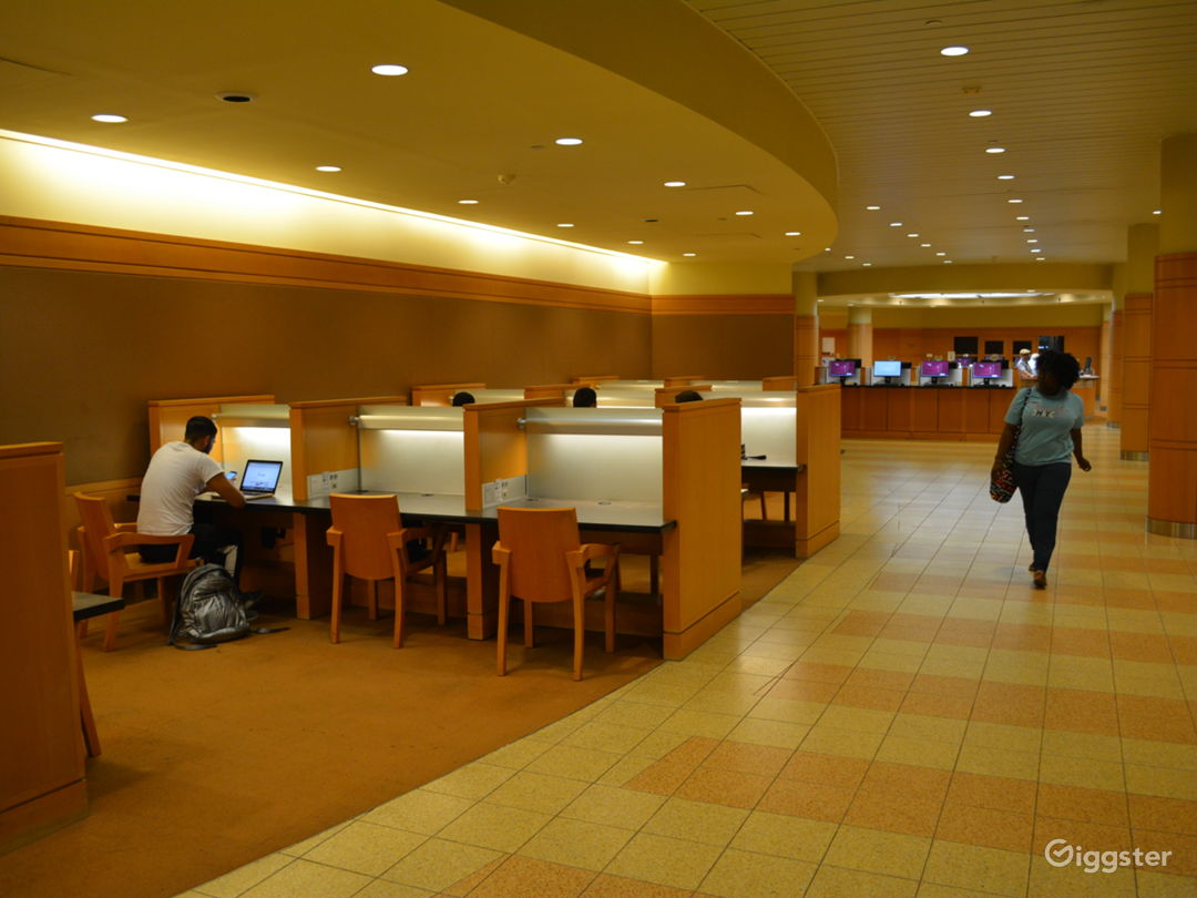 LIBRARY 6 - Spacious College Library Photo 2