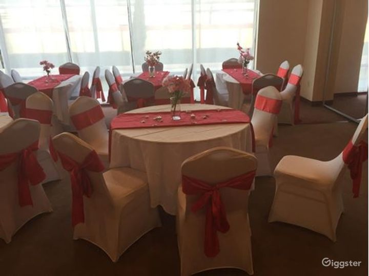Spacious and Sophisticated Event Venue  Photo 3