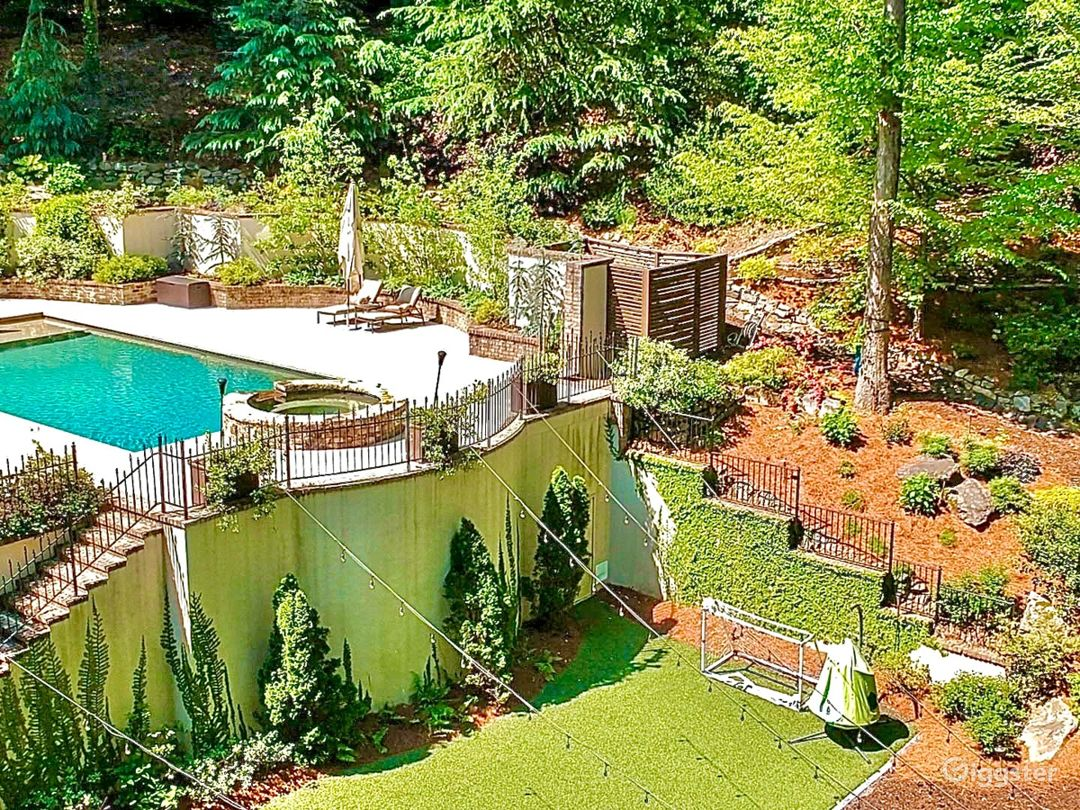 Outdoor Paradise for Parties, Events, Entertaining - for all ages! Pool, Jacuzzi, Putting Green, Zipline, Waterfall and Stream, Sports Turf, Guest Cabin and Walking Trails Abound.