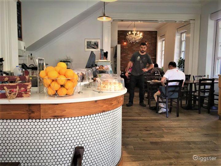 A Local British Café/Restaurant in London Photo 4