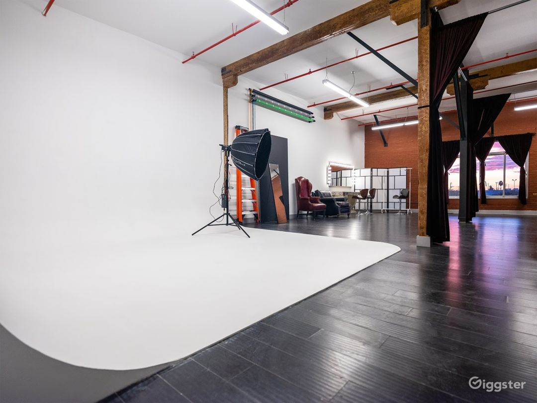 Loft Photo/Video Podcast Studio Photo 3
