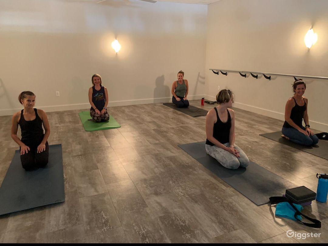 Amazing Yoga, Barre, and Dance Studio Space Photo 1