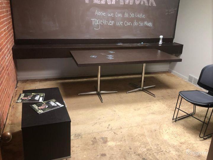 Clementine Room - Cozy Caulk board Meeting Room Photo 2