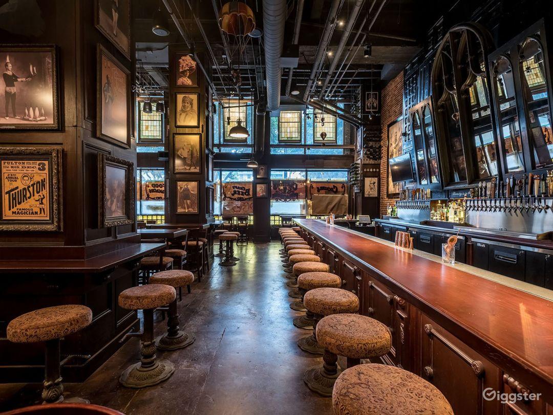Downtown Victorian Pub Photo 3