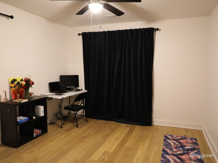 Empty Room, can be used as an office space, yoga room or bedroom shoot.