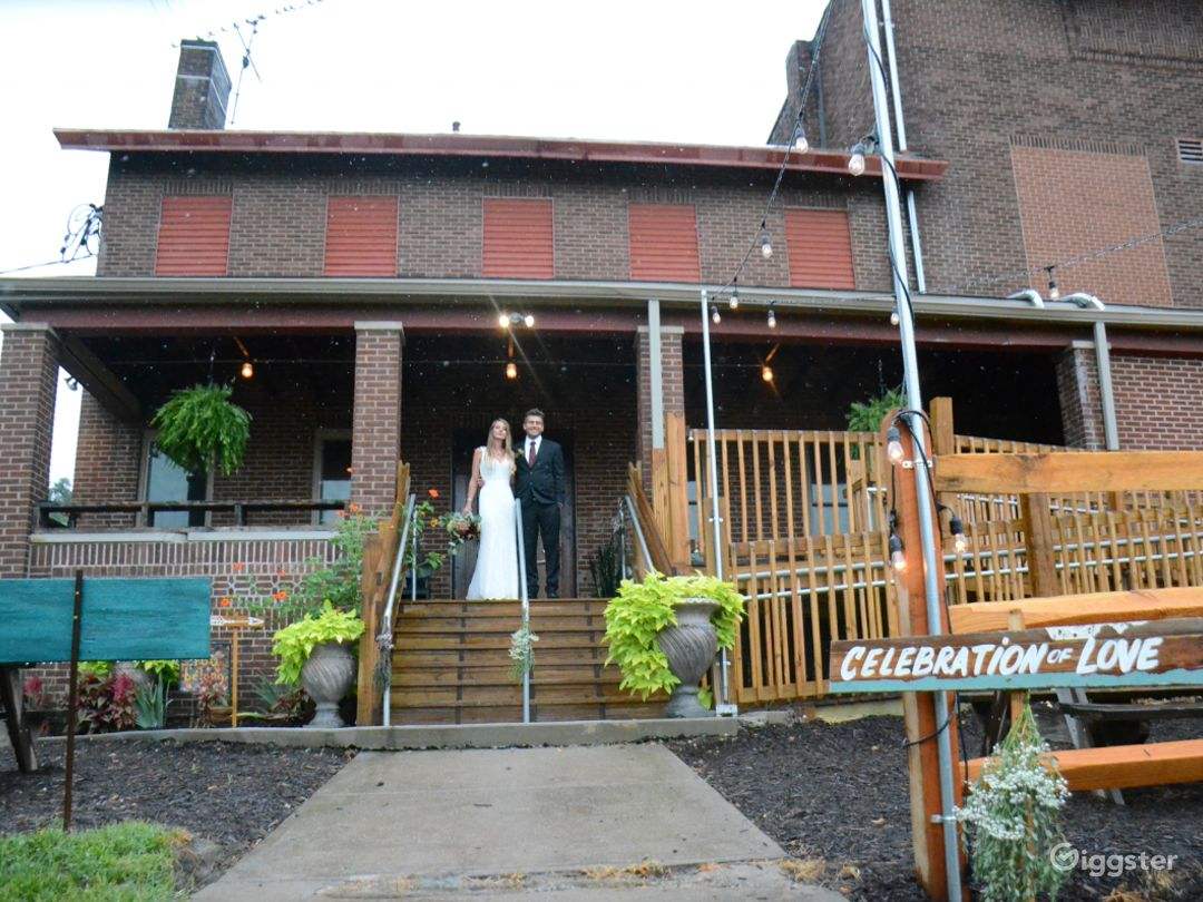 Historical Outdoor Venue in Pittsburgh Photo 1