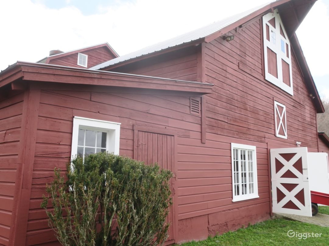 19th C. Heritage Red Dutch Dairy Barn- Upstate NY Photo 4