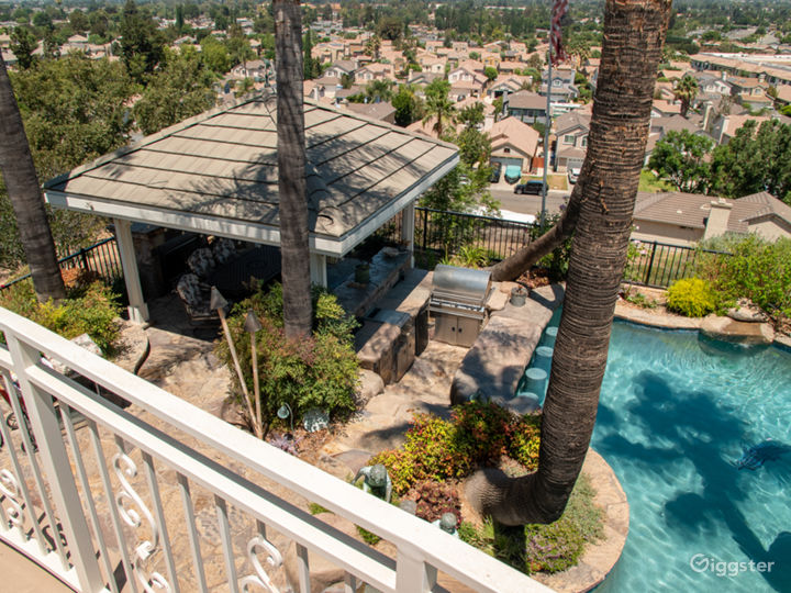 Luxurious Oasis Pool with Mountain View Photo 5