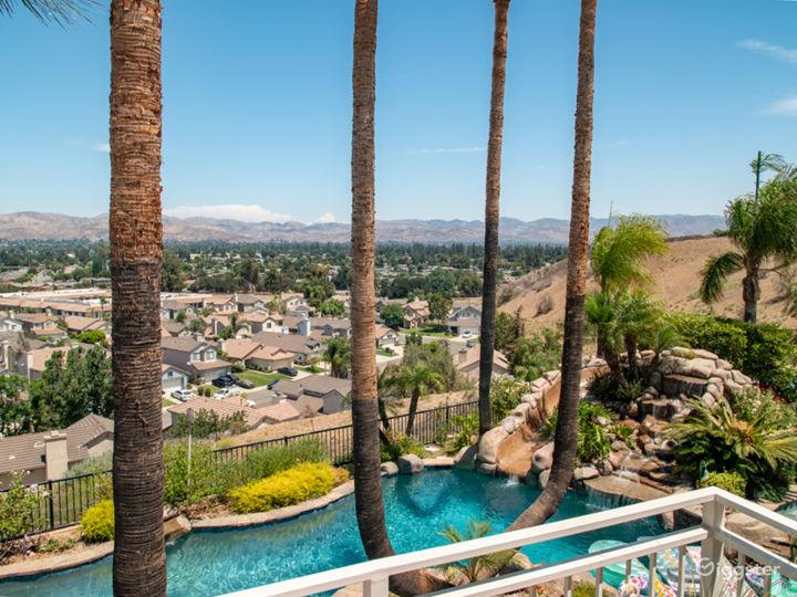 Luxurious Oasis Pool with Mountain View Photo 4