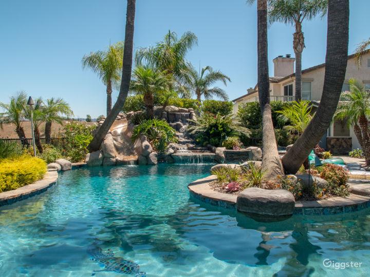 Luxurious Oasis Pool with Mountain View Photo 3