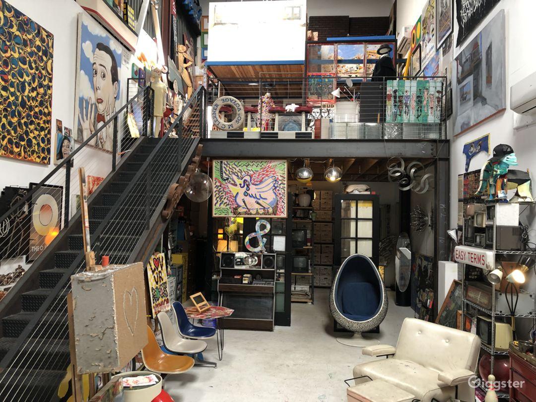 Creative Atmosphere in Hidden Venice Art Studio Photo 1