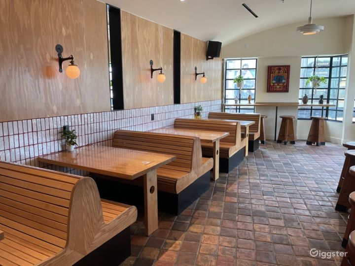 Southern California Soul Food Restaurant - Indoor Dining Photo 2