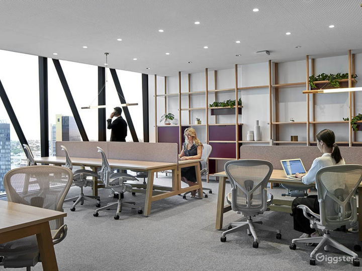 Stunning Office Space w/ Glass Wall façade Photo 3