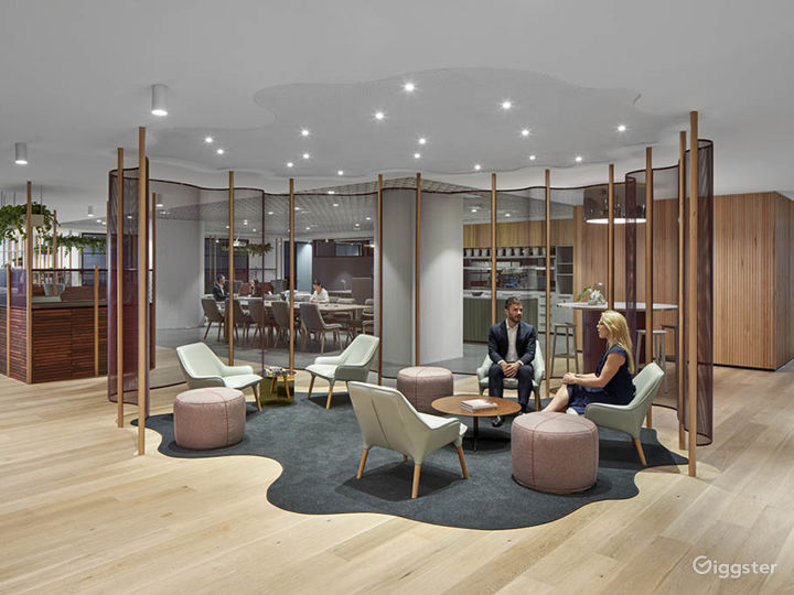 Stunning Office Space w/ Glass Wall façade Photo 5