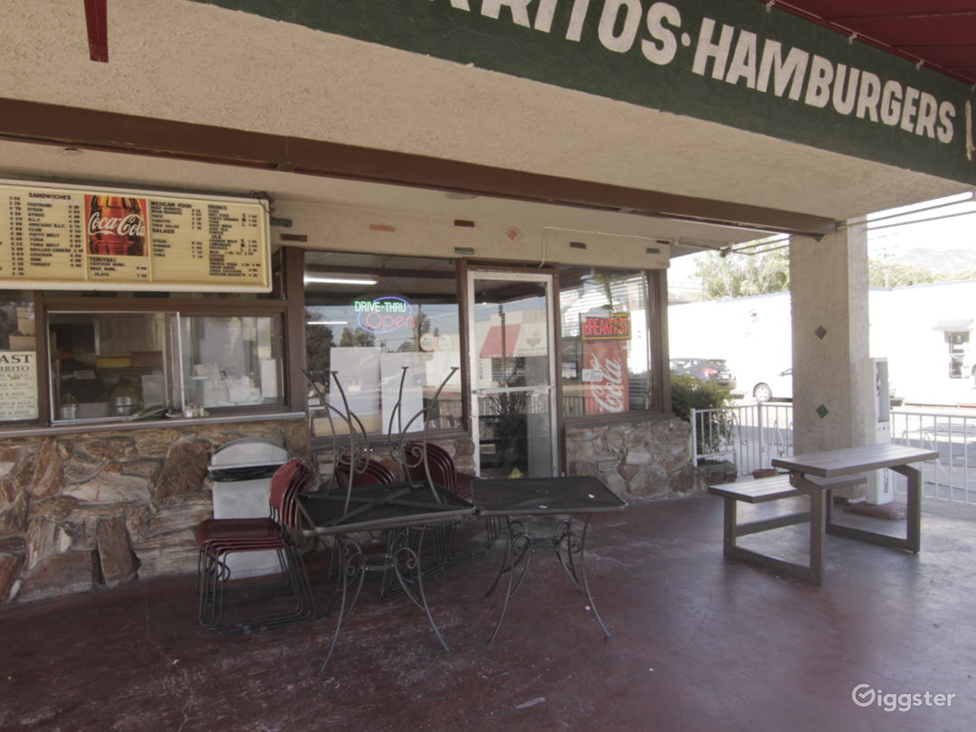 Hamburger Restaurant Photo 4