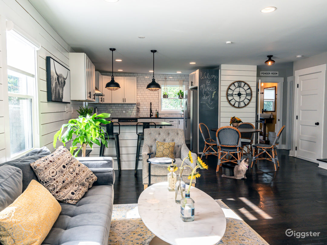 Modern Charmer with Farmhouse Aesthetic Photo 2