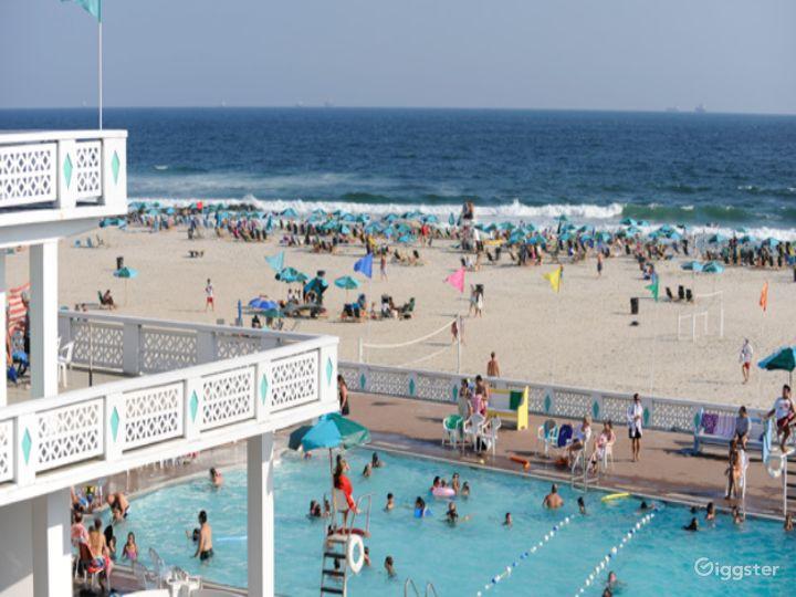 Funky beach club with pool: Location 515 Photo 4