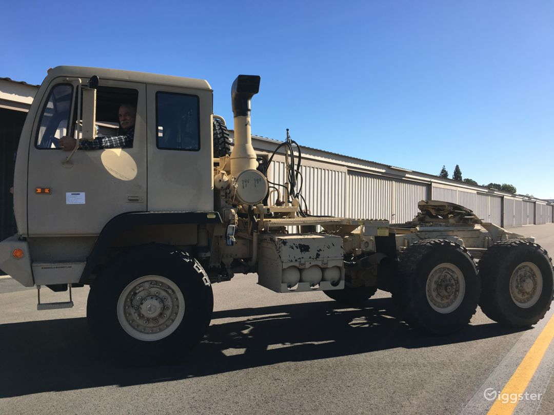 STEWART & STEVENSON MILITARY TRUCK TRACTOR M1088A1 Photo 1