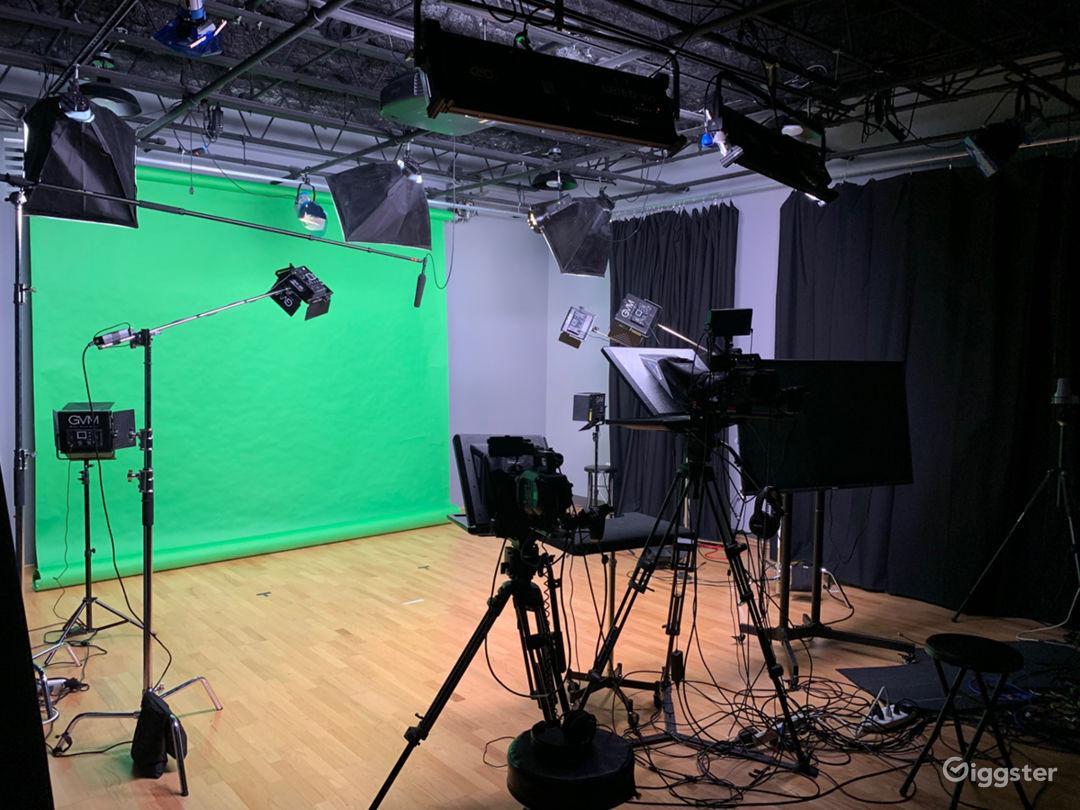 Studio 30'x30'