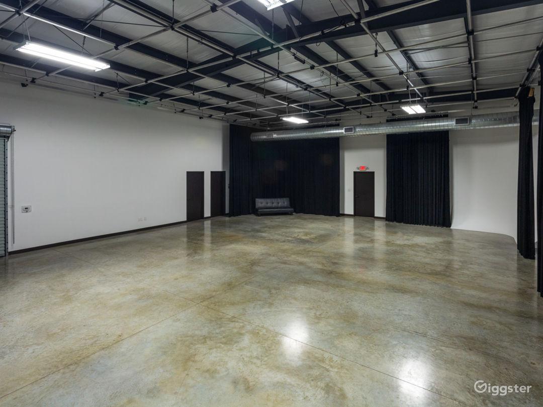 Large Production Studio Right Outside of Houston Photo 1
