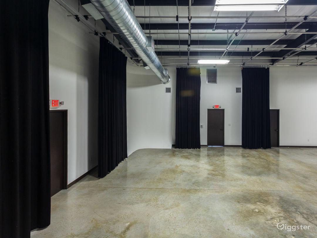 Large Production Studio Right Outside of Houston Photo 5