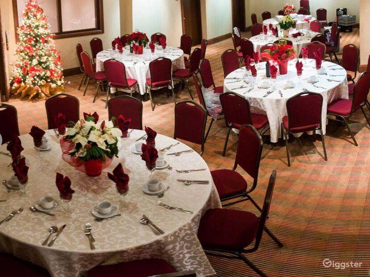 Private Mezzanine for VIP Receptions - Breakout - Board Room  Photo 3