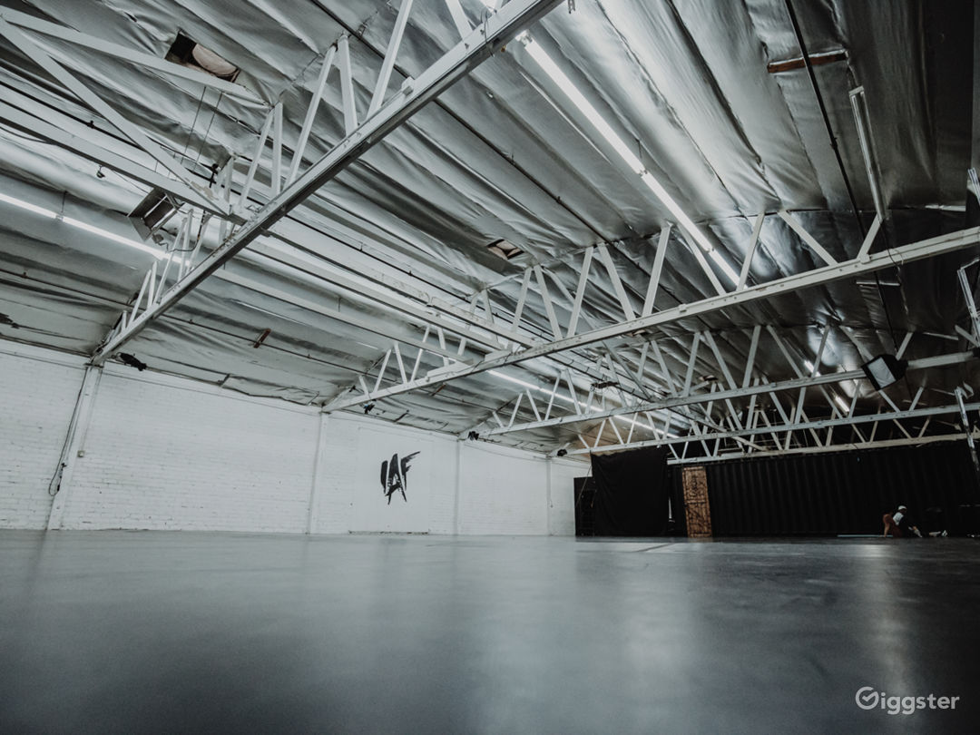 Industrial-Chic Warehouse Compound Photo 2