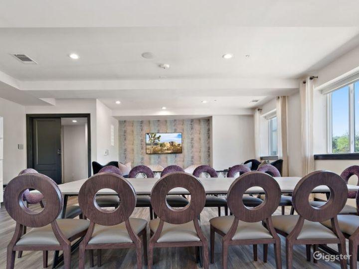 Relaxing and Cozy Meeting Space Photo 3