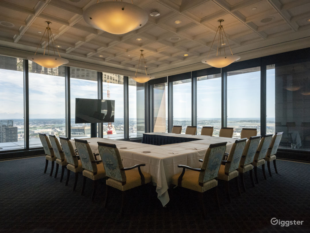 Downtown Private Club with Panoramic Views Photo 2