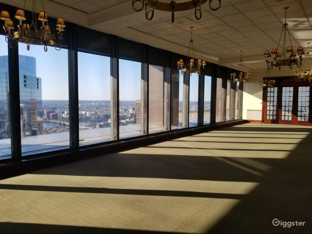 Downtown Private Club with Panoramic Views Photo 3