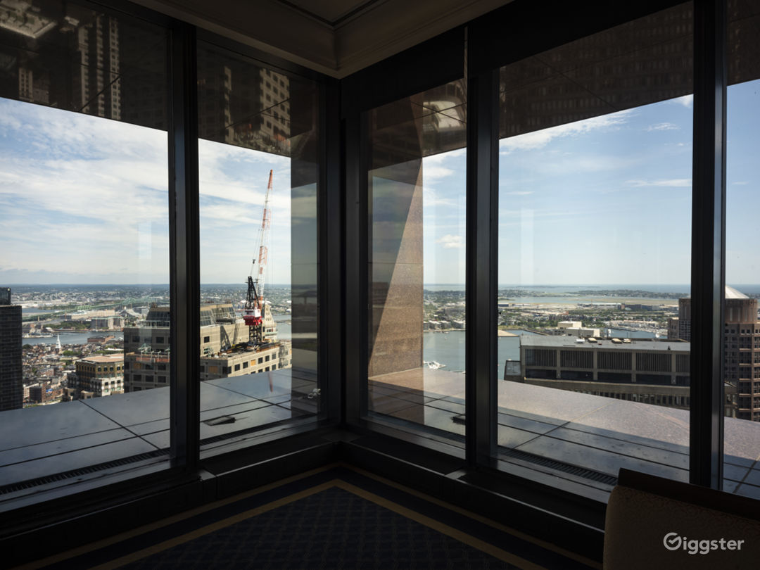 Downtown Private Club with Panoramic Views Photo 4