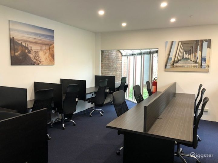 Modern Meeting Room in Collingwood Photo 2