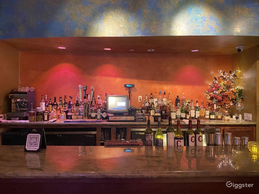 Trendy, Bright and Friendly Bar Setup in San Francisco Photo 1