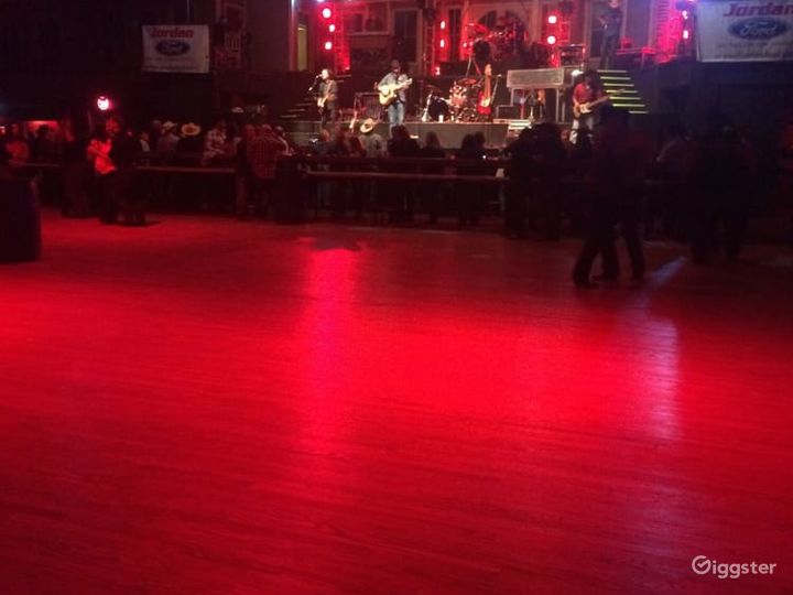 Spacious Stage & Dance Hall in San Antonio  Photo 3
