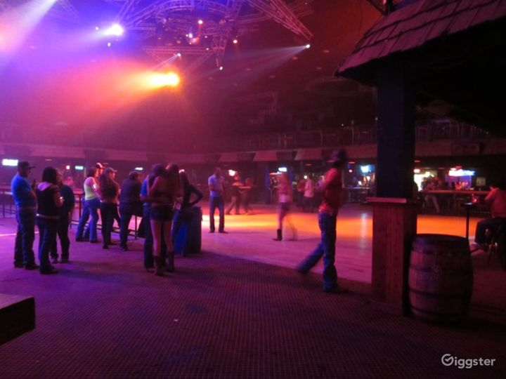 Spacious Stage & Dance Hall in San Antonio  Photo 4
