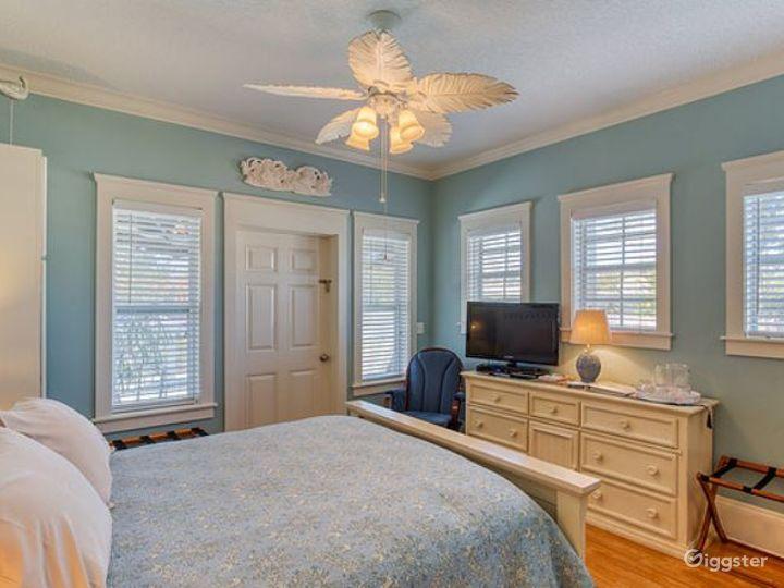 Happy Harbor Breeze Suite Room