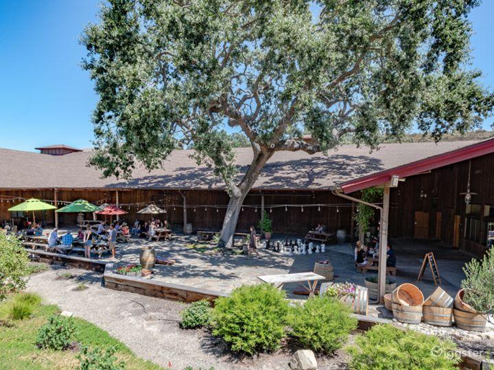 Winery & Courtyard