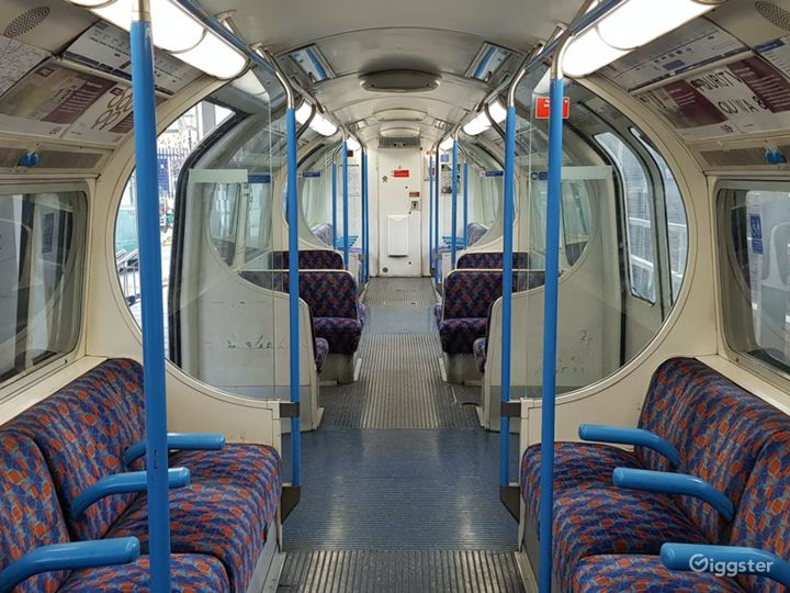 Original Tube Carriages in London Photo 3