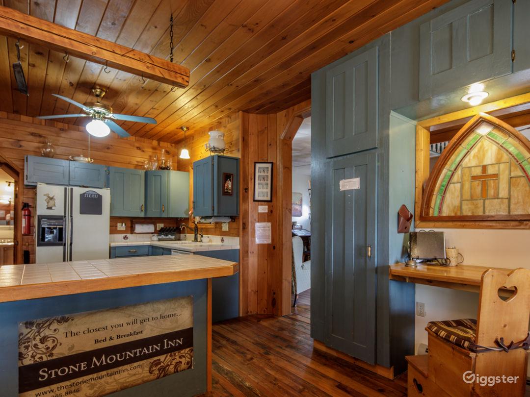 Foyer & Kitchen